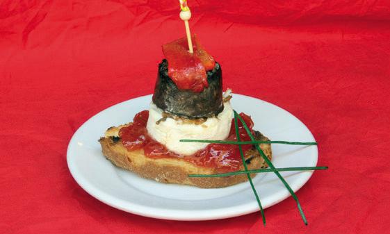 Pincho de morcilla de burgos con queso de cabra mermelada for De tapa en tapa las palmas